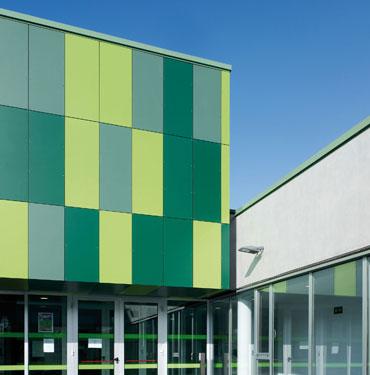 Los paneles arquitectónicos VIVIX® permiten fachadas exteriores ...