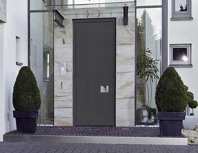 Puertas de entrada que combinan un elevado ahorro - Puertas hasta el techo ...
